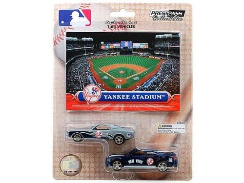 New York Yankees MLB Diecast 2pack Car With Card